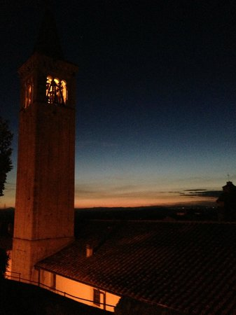 Castello delle Serre: Amazing sunset views from the pool area