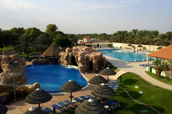 Danat Al Ain Resort: pools
