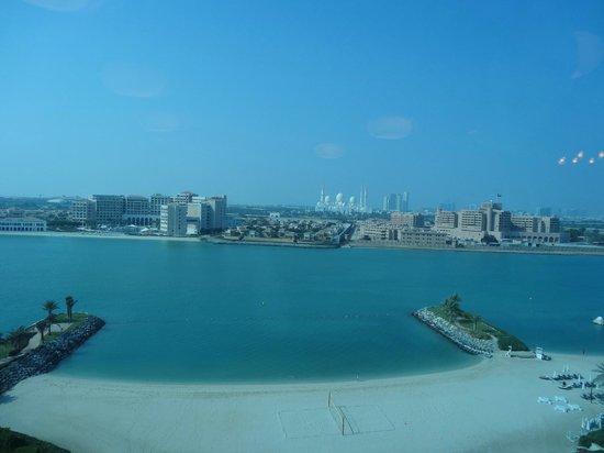 Fairmont Bab Al Bahr: View from Fairmont Gold dining area
