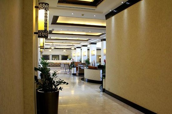 Danat Al Ain Resort: lobby