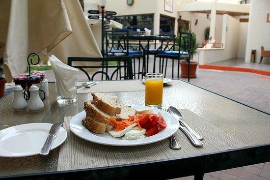 Danat Al Ain Resort: dinning place