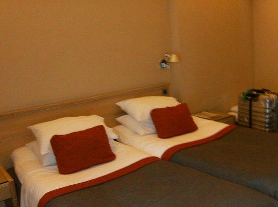 Herodion Hotel: Room