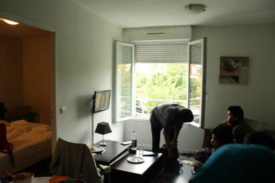 City Residence Chelles : Room