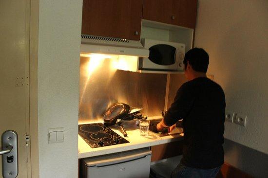 City Residence Chelles : Kitchen