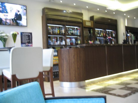 Best Western Plus Park Grand London Heathrow : Bar