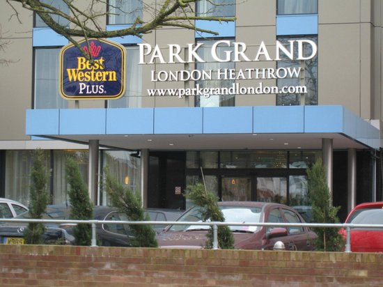 Best Western Plus Park Grand London Heathrow : The Grand Entrance