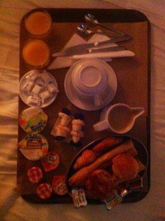 Royal Wilson: Petit dejeuner en chambre 8,50€