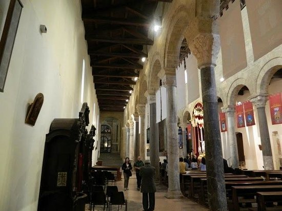 Taranto Catherdral - Duomo of San Cataldo : Le navate