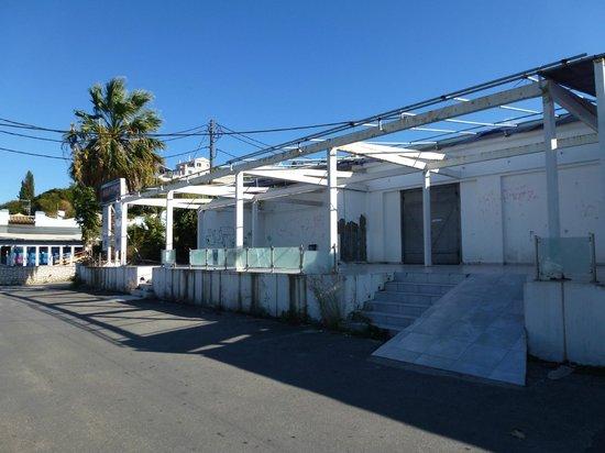 Corfu Mare Boutique Hotel: Closed bar near hotel on sea front