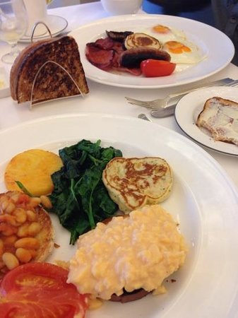 Trump Turnberry, A Luxury Collection Resort, Scotland: Vegetarian grill and Turnberry grill at breakfast