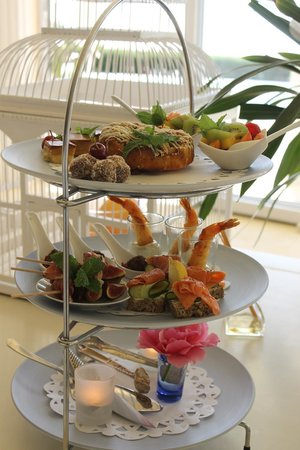 Atlantic Suites Camps Bay: High Tea on arrival