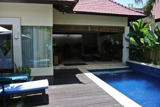 RC Villas & Spa: Living Area