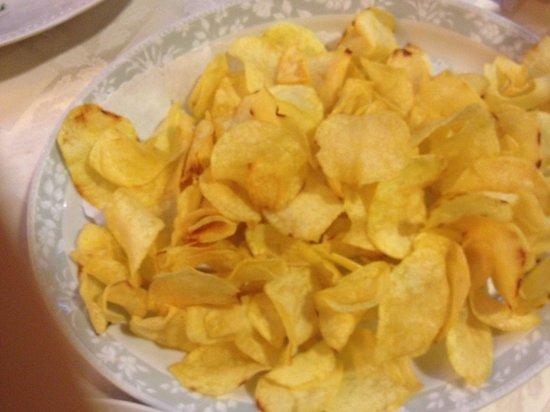 Brasserie Mediterranea: Homemade fresh crisps