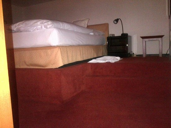 Best Western Hotel Domicil : Upper floor bed