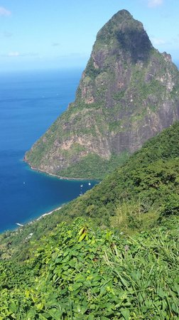 Tet Paul Nature Trail: View at the top of Petit Piton