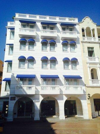 NH Cartagena Urban Royal: Fachada do hotel
