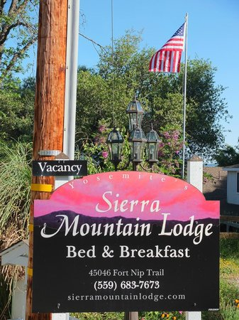 Sierra Mountain Lodge - Yosemite: Sierra Mountain Lodge