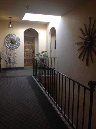The Eagle Inn: hallway to our room