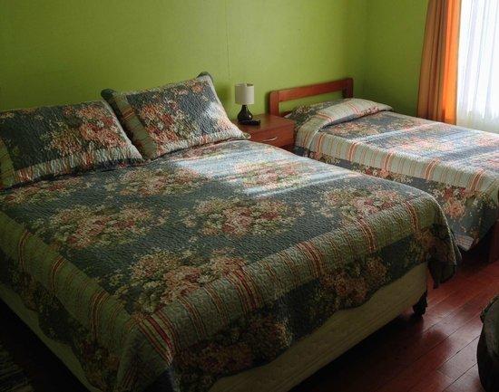 Hostal Benavente: matrimonial mas una cama