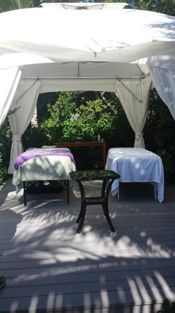 Ocean House: Couple's massage in cabana!