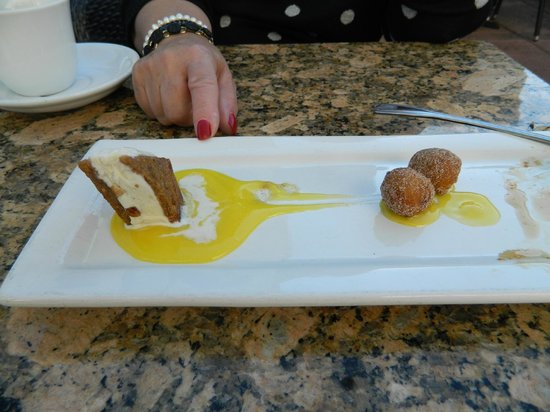 LaSalette Restaurant: Dessert sampler