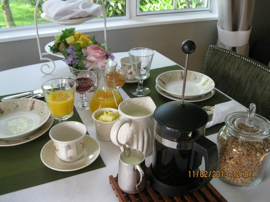 Hillsfield House Bed and Breakfast Marlborough: Delicious breakfast in the Courtyard room