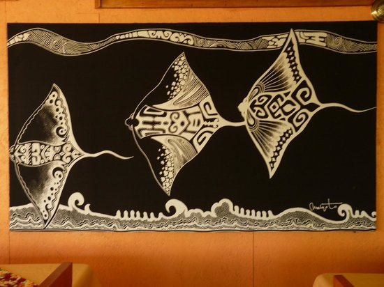 Hostal Cabanas Akapu: Mural en el comedor