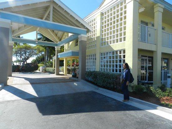 Best Western Key Ambassador Resort Inn : entrada del Hotel