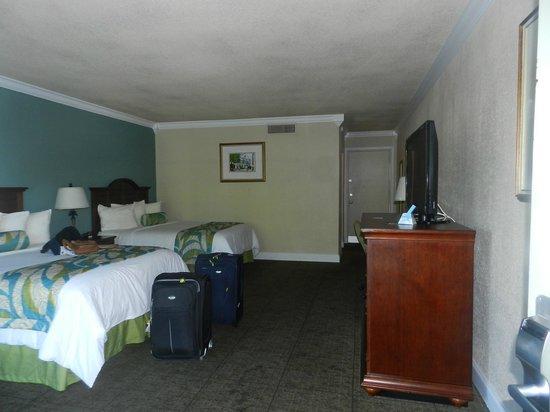Best Western Key Ambassador Resort Inn: habitaciones amplias y cuentan con balcon