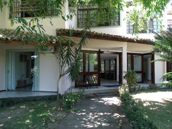 Hotel Quarup Praia : entrada para el comedor y recepciön