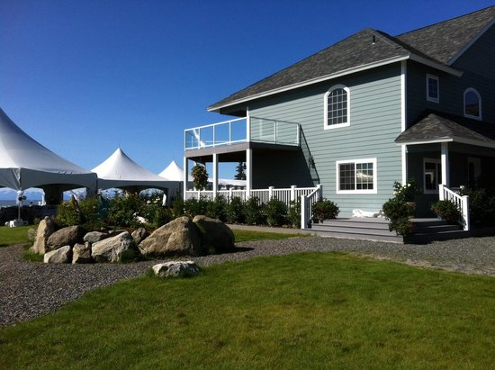 Alaskan Fishing Adventures Accommodation: Lodge