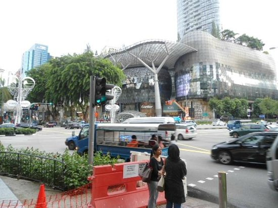 Royal Plaza on Scotts : 1 minute from hotel Orchard road shopping malls