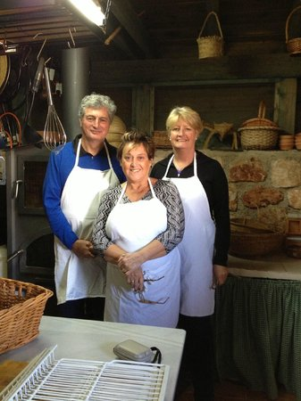 La Finca del Castillo Arabe : Cooking is fun with friends