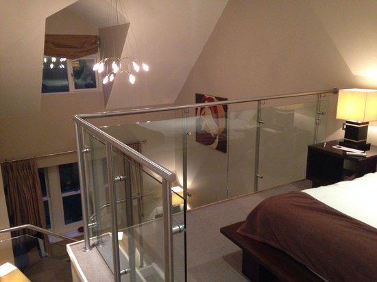 BrookLodge & Macreddin Village: Mezzanine suite bedroom