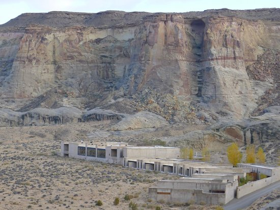 Amangiri : Hotel from one of the many trails
