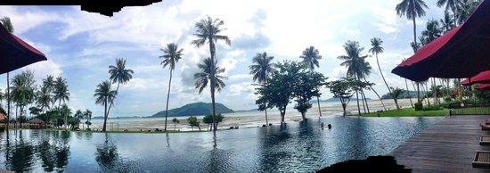 The Vijitt Resort Phuket: View by the pool