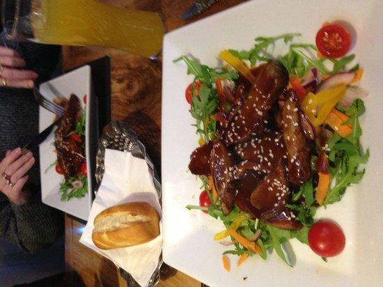 The Pheasant Restaurant & Pheasant Inn: Starter duck with hoi sauce fabulous