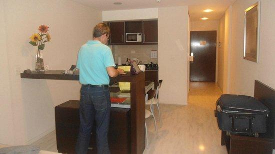 Icaro Suites: visão parcial do apartamento