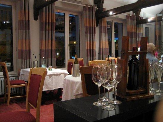 Grand Hotel de Courtoisville : Restaurant