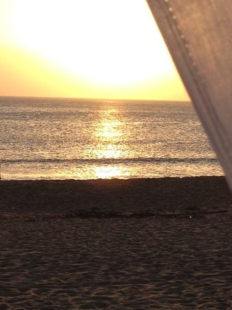 Serena Hotel Punta del Este: Sunset from the pool/beach deck