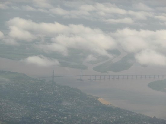 Rosario-Victoria Bridge: El Puente Nuestra Señora del Rosario visto desde el aire.