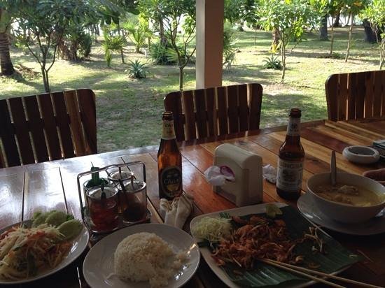 Mai Khao Beach Bungalows: food at the restaurant