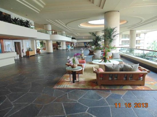 Hapuna Beach Prince Hotel : Lobby and check in