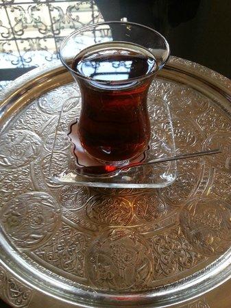 Biz Cevahir Hotel: Thank you for my tea :)