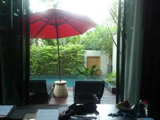 Ramada Khao Lak Resort : Bed to pool from Pool villa type