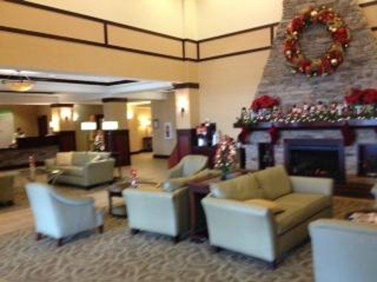 Holiday Inn lobby (just outside Houlihan's)