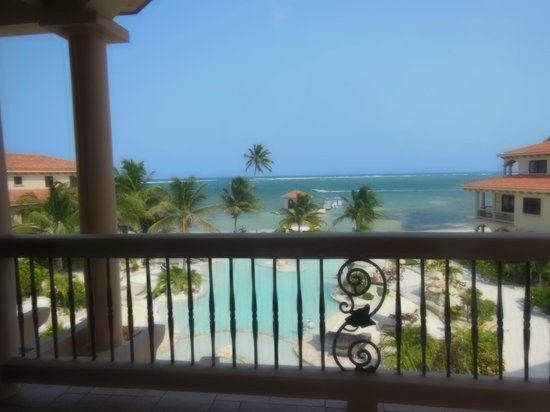 Coco Beach Resort: View from suite