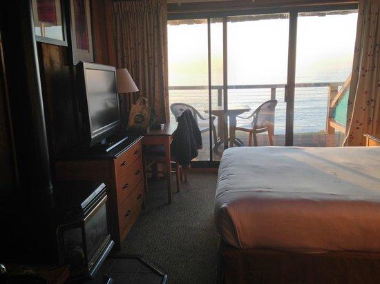 Timber Cove Inn: Room 205 Ocean View Room