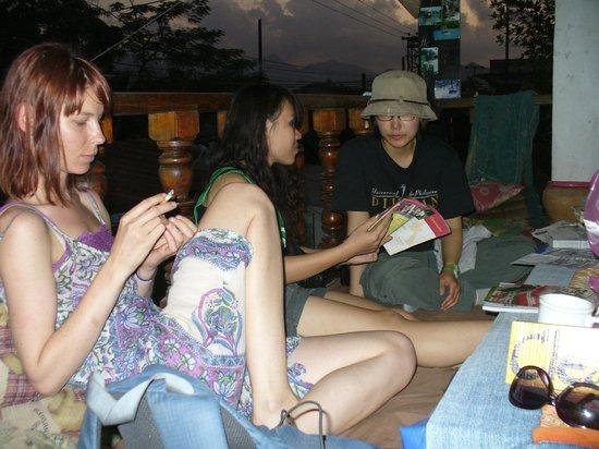 Spicylaos Backpackers: Balcony
