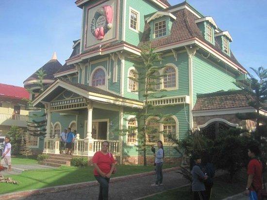 Sampaguita Gardens: The Doll House